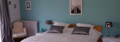 Gite-Bataclan-Chambre-Bleue